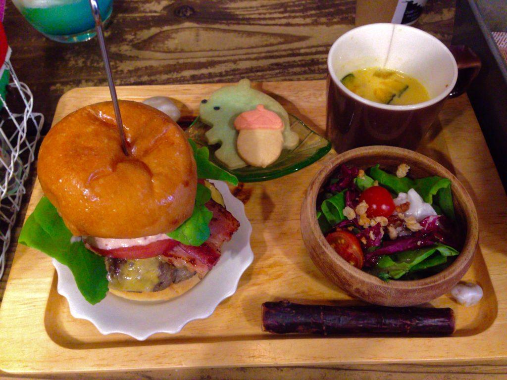 森のハンバーガーセット(1,230円)